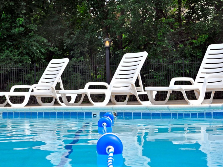 Poolside Sundeck at Fox Pointe Apartments, East Moline, 61244