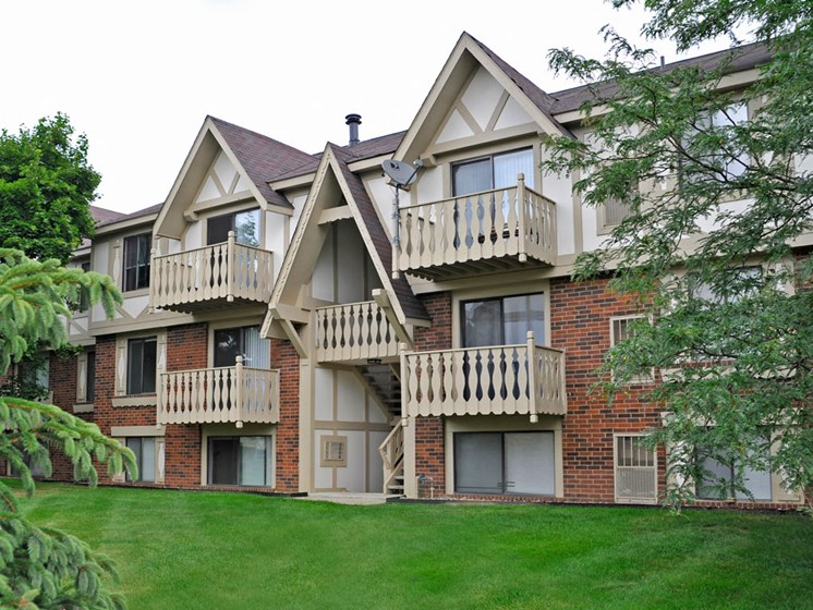 Balcony Garden Views at Fox Pointe Apartments, East Moline, IL