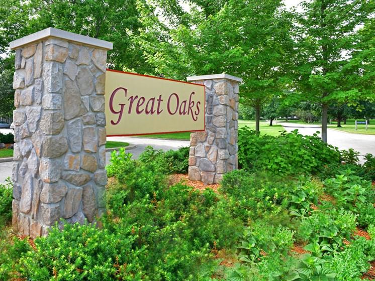 Entrance Sign at Great Oaks Apartments, Rockford