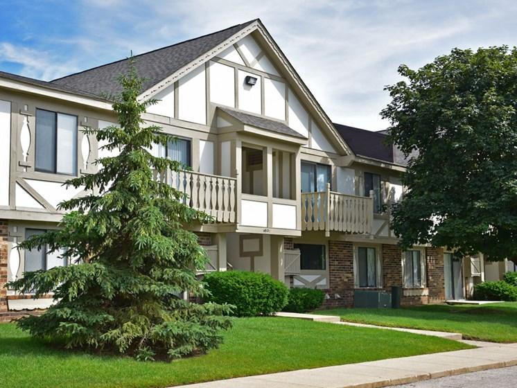 Exterior at Great Oaks Apartments, Rockford, 61109