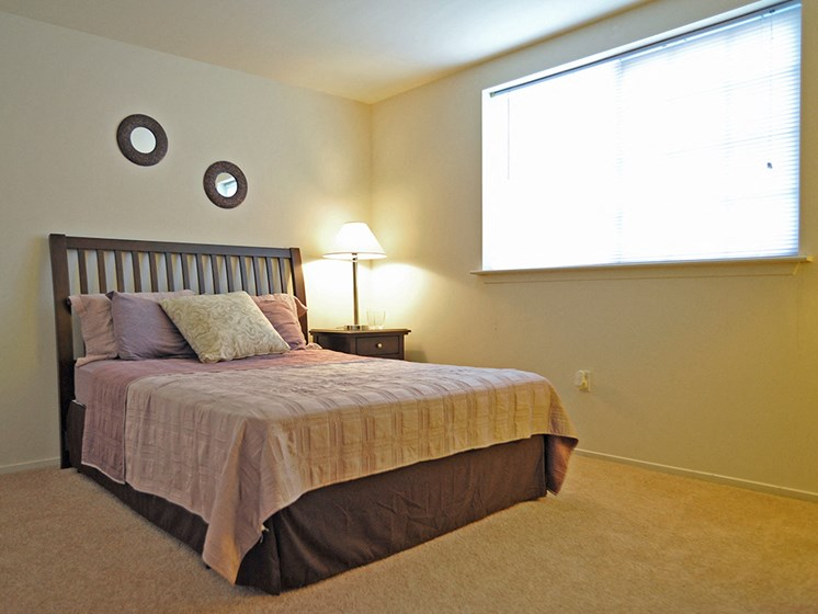 Bedroom at LakePointe Apartments, Batavia, Ohio