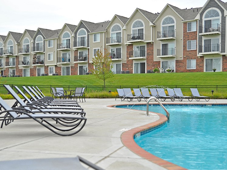 Swimming Pool With Sundeck at LakePointe Apartments, Batavia