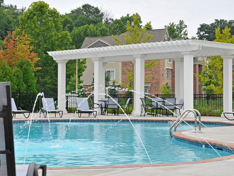 Swimming Pool With Sundeck and Pergola at LakePointe Apartments, Ohio, 45103