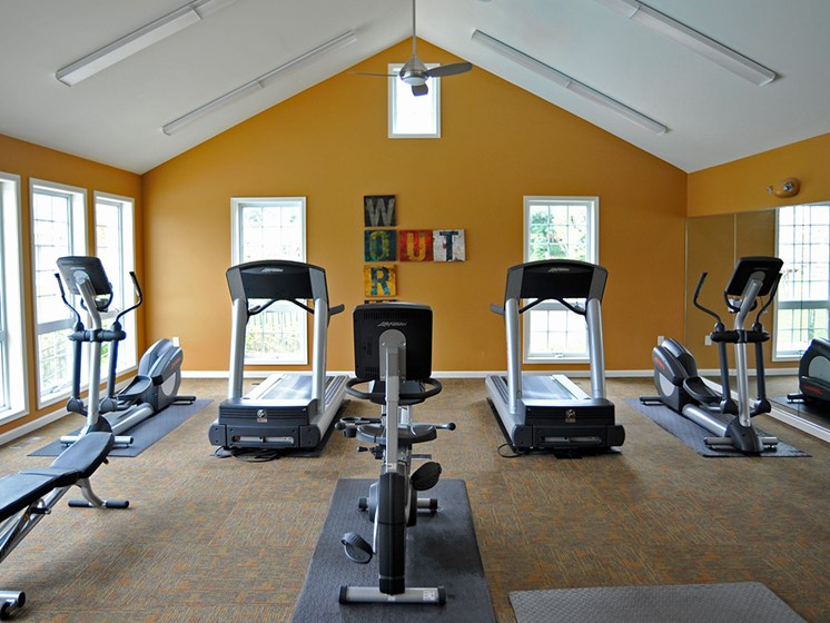 Fitness Center at LakePointe Apartments, Batavia, OH, 45103