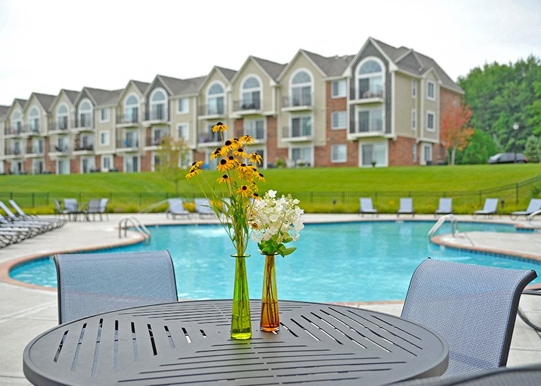Poolside Seating at LakePointe Apartments, Batavia
