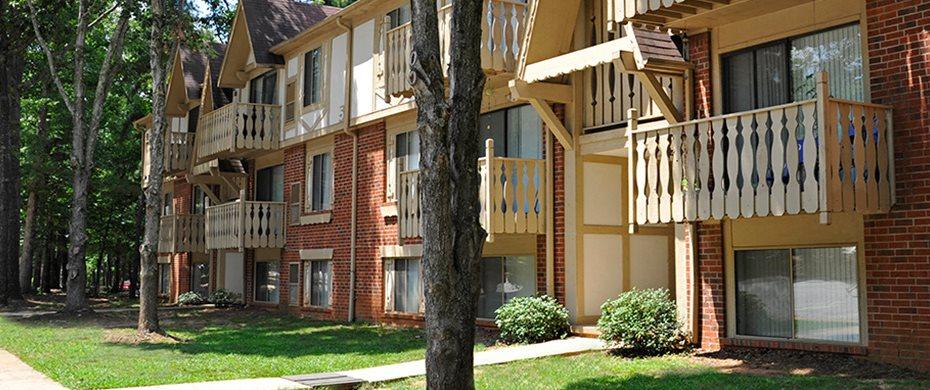 Landscaped Garden Setting at Laurel Woods Apartments, Greenville, South Carolina