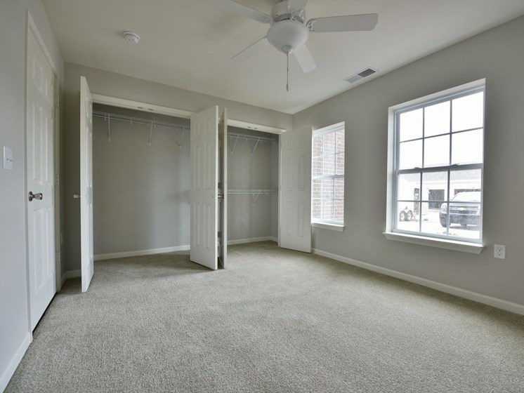 Bedroom with Carpeting at River Hills Apartments, WI 54937