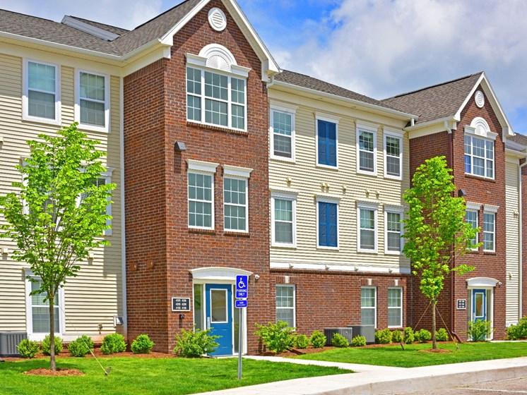 Apartment Building Exterior at River Hills Apartments, 54937