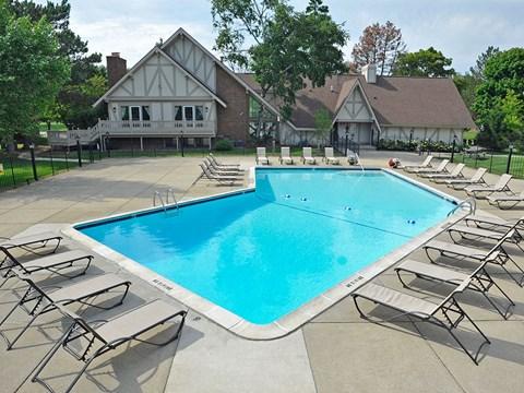 Swimming Pool and Sundeck at Rivers Edge Apartments, Michigan