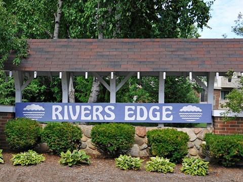 Entrance Sign at Rivers Edge Apartments, Waterford, MI