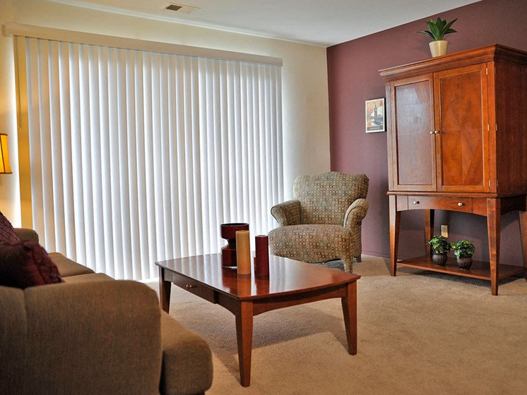 Living Room with Carpeting at The Landings, Westland, MI