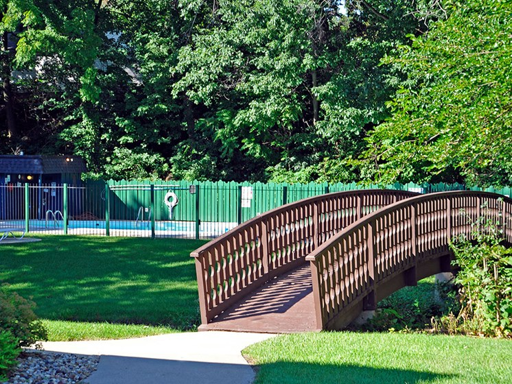 Lush Green Grounds at Timberbrook Apartments, Peoria, Illinois