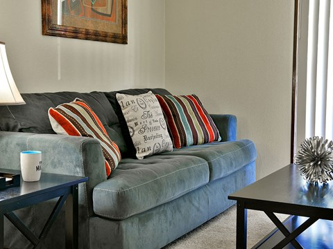 Living Room at Timberlane Apartments, Peoria, IL