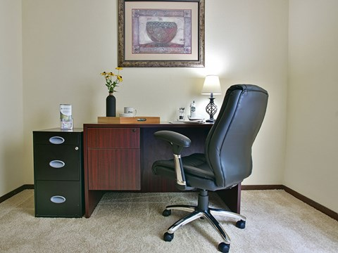 Office Space at Timberlane Apartments, Peoria, IL