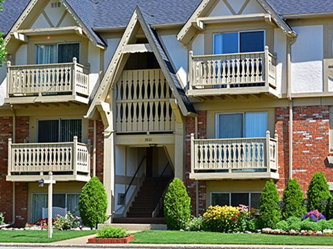 Pet Friendly Community at Timberlane Apartments, Peoria, IL