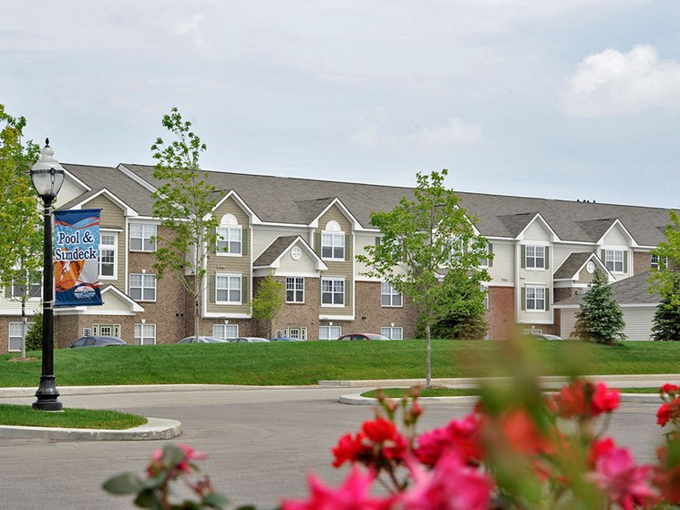 Green Surroundings at Towne Lakes Apartments, Wisconsin