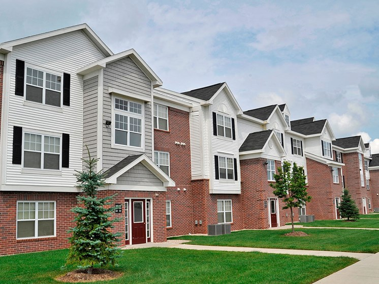 Pet Friendly Community at Towne Lakes Apartments, Wisconsin