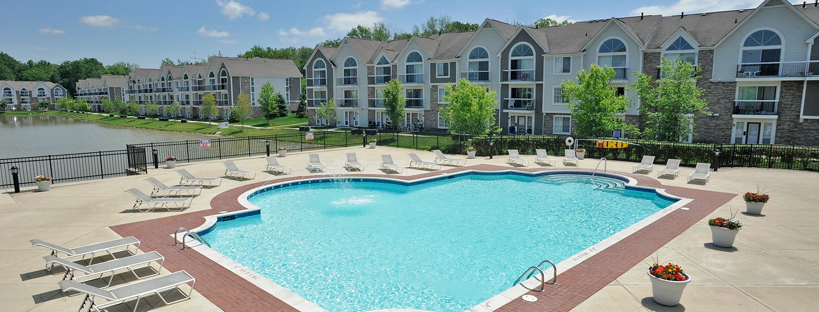 Outdoor swimming pool at Westlake Apartments, Michigan, 48111