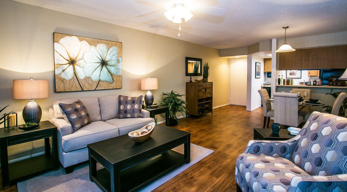 Image of our living rooms at Towne Square Apartment Homes near Chandler Blvd.