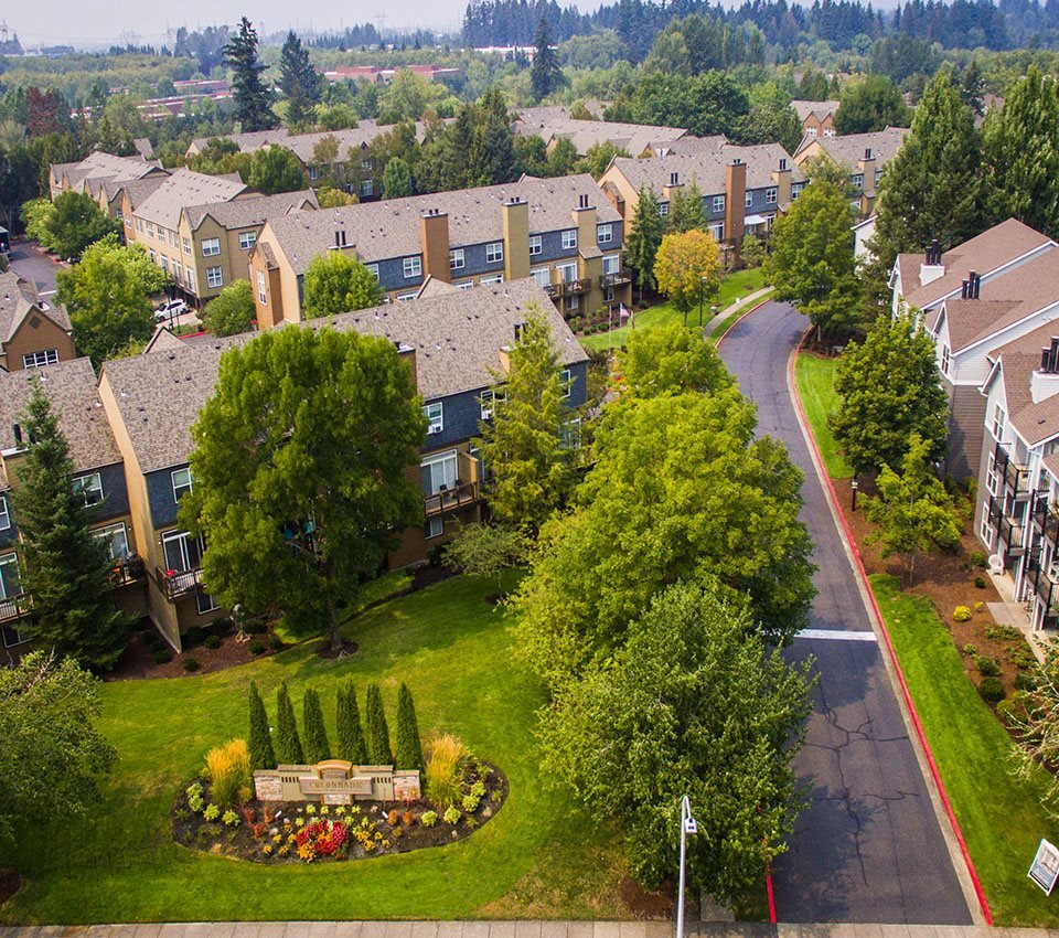 Hillsboro Apartments: The Colonnade Luxury Townhome Rentals