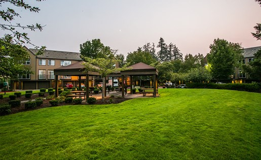 Outdoor BBQ and Picnic Area with Covered Seating at Hillsboro OR Apartment Near Evergreen Park