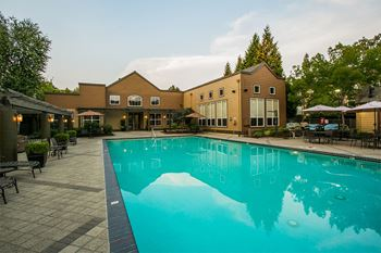 8911 NE Colonnade Dr. 1-3 Beds Apartment for Rent Photo Gallery 1