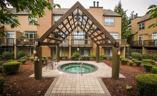 Year Round Spa and Hot Tub at Apartments Near Hillsboro Airport