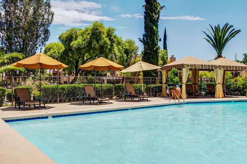 Apartments NW Tucson with Resort-Style Swimming Pool