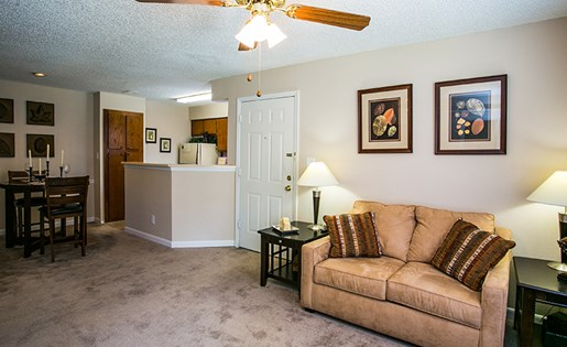 Spacious One and Two Bedroom Floor Plans at ABQ Apartments for Rent Near Los Altos Park