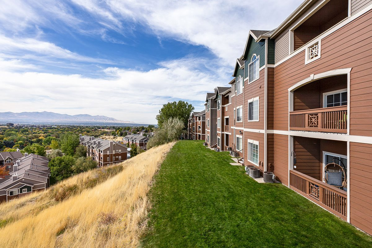 Pinnacle Highland Apartments In Cottonwood Heights Photo