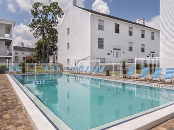 2000 SW 16Th Street 1-3 Beds Townhouse for Rent Photo Gallery 1