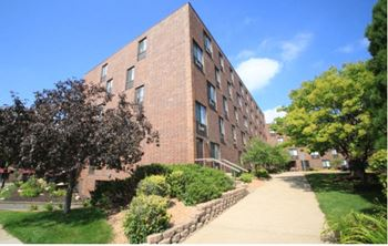 616 W. 53rd Street 1-2 Beds Apartment for Rent Photo Gallery 1