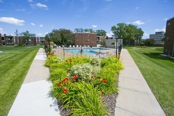 2200 N. Pascal Street #201 2 Beds Apartment for Rent Photo Gallery 1