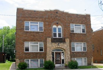1118 Lowry Ave NE 1 Bed Apartment for Rent Photo Gallery 1