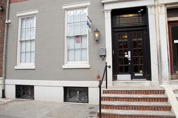1311 Spruce Street 2 Beds Apartment for Rent Photo Gallery 1