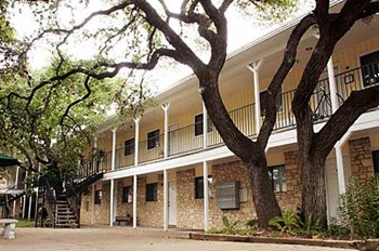 2311 South 5Th 1 Bed Apartment for Rent Photo Gallery 1