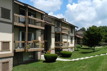 700 E Stoney Mill Ct 1 Bed Apartment for Rent Photo Gallery 1