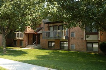 4 E Roberts Path 1-2 Beds Apartment for Rent Photo Gallery 1