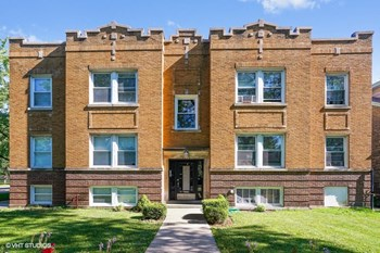 4354 W. Drummond Pl. Studio-2 Beds Apartment for Rent Photo Gallery 1