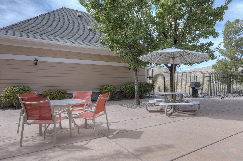 Outdoors Chairs and Tables at Manzanita Gate Apartment Homes, 89523, NV