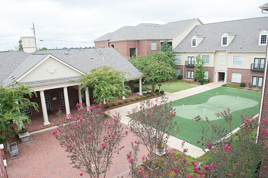 Midtown Village Clubhouse and Putting Green