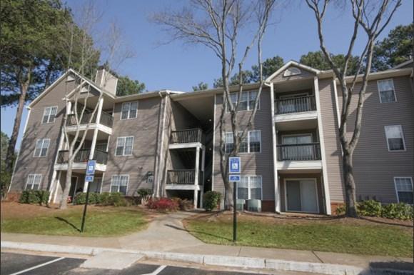 Spring Chase Apartments Atlanta Ga