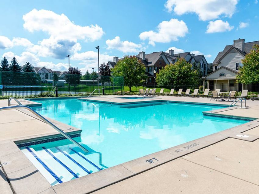 outdoor swimming pool at River Oaks Apartments
