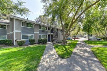 920 Cranbrook Court 1-2 Beds Apartment for Rent Photo Gallery 1