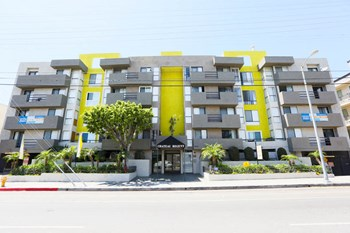6835 Laurel Canyon Blvd. 1-2 Beds Apartment for Rent Photo Gallery 1