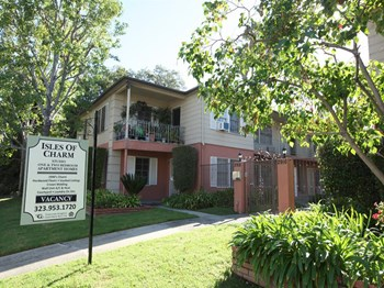 3130 Rowena Avenue Studio-2 Beds Apartment for Rent Photo Gallery 1