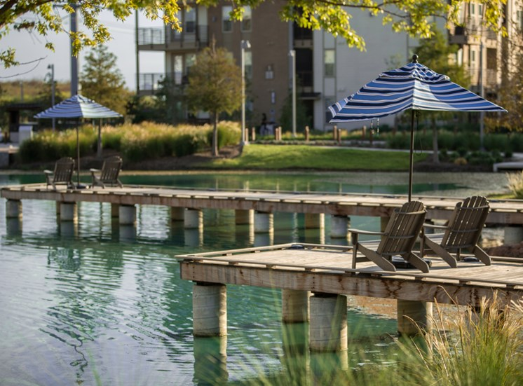 Relax Lakeside at Discovery