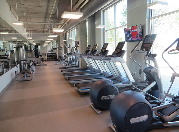 24/7 State-of-the-Art Fitness Center, Discovery at the Realm (Castle Hills)