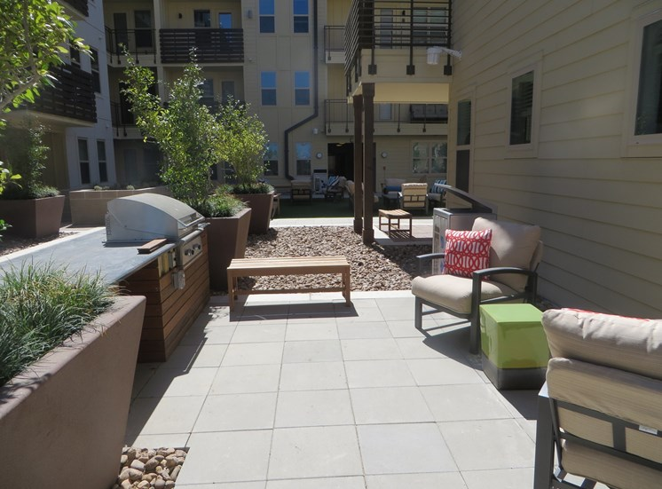 Courtyard seating with grills, Lewisville, Texas