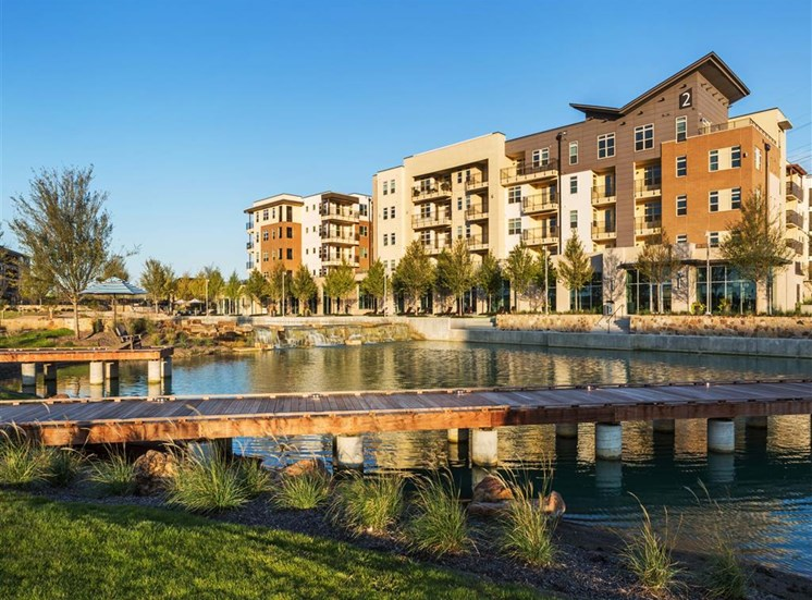 Luxury Apartments in Lewisville